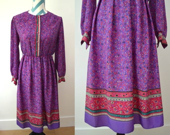 Vintage 70s Hippie Floral Printed Shift Dress Long Sleeved Purple Pink Turquoise Border Print Size 8