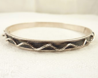 SALE ---- Vintage Mexican Sterling Bangle with Three Dimensional Rope Bangle Bracelet