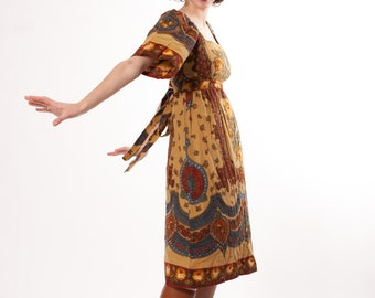 1970s Dress - Bohemian Dress - Warm Wallpaper Print