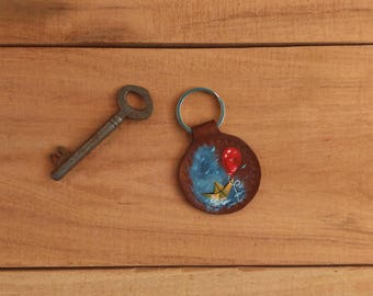 Red balloon keychain / Book lovers gift / It keyring / Stephen King / Pennywise / Horror fan / Gifts for bookworm / Leather keychain