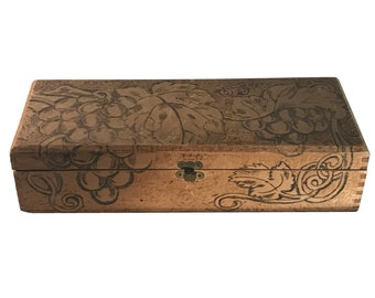 Art Nouveau Pyrography Flemish Grapevine Glove Box