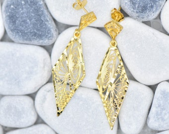 14k Gold Vintage Decortive Earring Drops