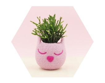Blush pink cat planter / Cat  / Small succulent pot / succulent planter / cat lover gift / cat vase / nursery decor / teacher