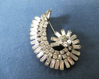 1950 Cresent  Rhinestone brooch or pin from the  Hollywood Regency Era  Beautiful cut stones -    - Estate find!