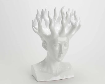 """Feminine head """" Goddess Dumbfounds """" on base, model black, height 18,5 inches"""