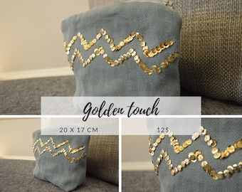 Blue pouch - Patterns / gold beads