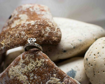 Ǝlement line rose silver ring
