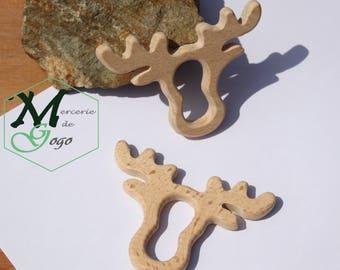 Teething ring in natural wood, reindeer.