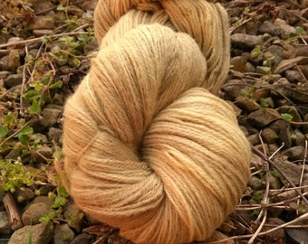 Naturally dyed with nettle leaf, cashmere, alpaca, merino blend 4 ply yarn, 100g, 380m
