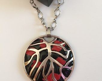 Tree roots necklace Black necklace Red necklace Round pendant Hollow necklace Silver round pendant