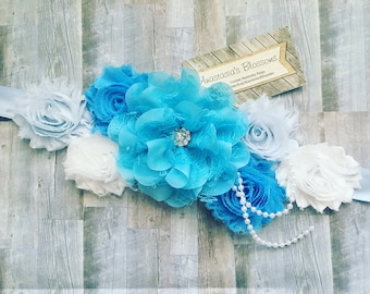 Blue maternity sash, its a boy maternity sash, blue and white sash, mom to be sash, its a boy maternity sash for baby shower