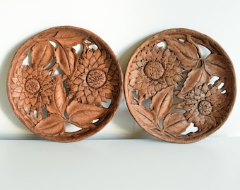 Floral Wall Decor - Durwood Wood Plate - Faux Bois - Durwood Vintage Wood Wall Hanging - Floral Wood Wall Hanging - Chrysanthemum Plate