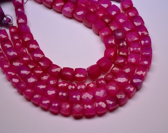 8 Inch Strand-7-8mm-Deep Pink Chalcedony Faceted 3d Cube Briolette-24 Beads