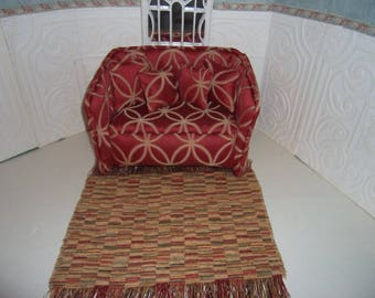 SALE 1:6th  Barbie Dollhouse Handcrafted Furniture Upholstered Settee/Sofa  BARBIE BLYTHE Living Room Bedroom Rust & Gold Patterned Carpet