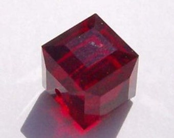 Swarovski Crystal Beads CUBE 5601 Swarovski elements beads Siam red -  Available in 4mm, 6mm and 8mm