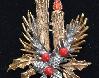 Pretty Vintage Christmas Candle Brooch