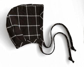 grid linen bonnet.