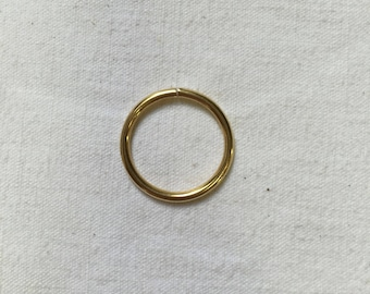 2 rings. 20mm. Metal gold