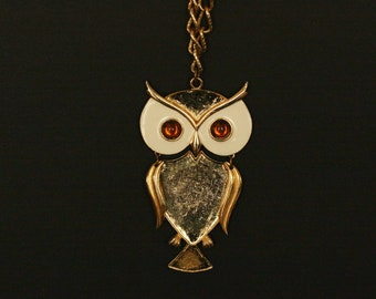 vintage owl necklace by Art