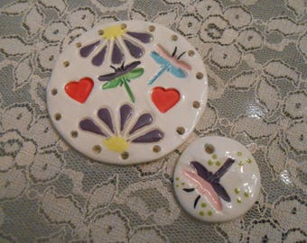Fun Flowers Pine Needle Base with dragonfly with bonus bead  /hearts