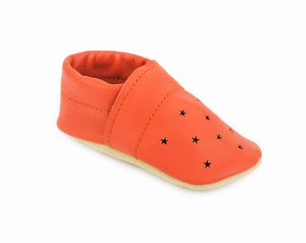 Australian handmade soft sole shoes / Eco-friendly rescued leather / Feet shaped barefoot moccasins