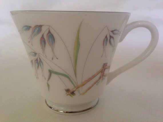 """Set/6 Aynsley """"Flying Wild"""" Bone China Cups with Platinum Accents"""