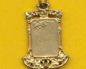 Art Nouveau charm medal - French gold plated metal pendant representing flowers - Ivy leaf (ref 0737)
