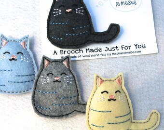 Felt Brooch| Cat Lady Gift | Handmade Gift | Cat Pin | Scarf Pin | Lapel Pin | Gift for Coworker |Cat Pin  |  Small Gift  | Gift for Friend