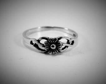 Sterling Silver Flower Ring, Floral Ring, Floral Band, Dainty Ring, Pinky Ring