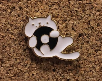 Cute White Cat Playing With Record Album Enamel Pin