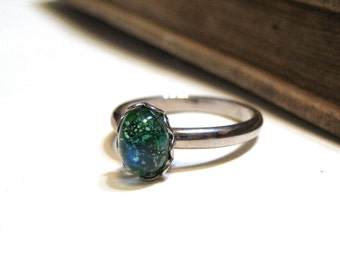 Vintage Blue Green Harlequin Opal Ring - WWII Era - Lace / Scalloped Setting - Silver - Rhodium Plated - Adjustable - 8x6mm