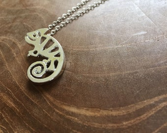 Cameleon - a cute necklace with a little cameleon with cut-outs. Silvertone, cute, animal, cut-outs, cameleon, little, tiny