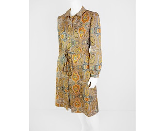 Vintage dress with allover paisley pattern