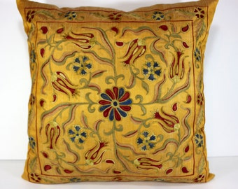 Silk Suzani Pillow cover, Suzani Pillow, Bohemian Pillow, Boho Pillow, Moroccan Pillow, Decorative Pillows, Accent Pillows, SP125