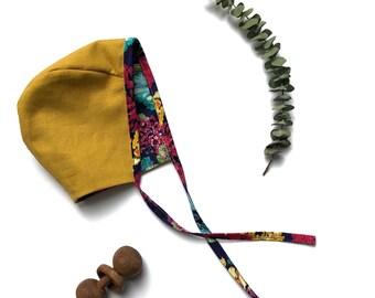 Reversible baby bonnet, handmade clothing, vintage style