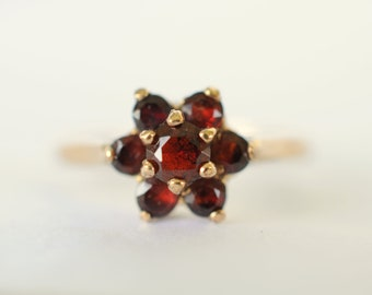 40% SALE ///1970s vintage / 9k gold Garnet cluster ring / deep red gemstone  / gemstone jewelry engagement