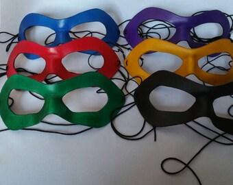 Masques pour les héros - couleur - fait à la main