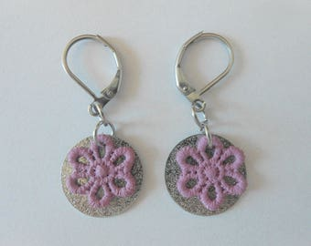 Earrings with spangled sequins and hand-painted mauve lace flowers.