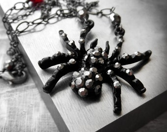 Black Widow Spider Necklace, Red Blood Drop Creepy Insect Choker, Goth Gothic Vampire Jewelry, Halloween Necklace Halloween Jewelry