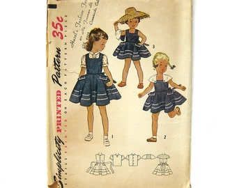 1950s Vintage Girls Sundress with Detachable Cape / Dress Pattern / Simplicity 3534 / Size 4 Breast 23