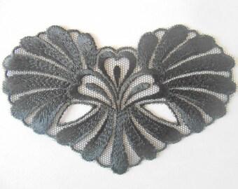 Large applique heart 11 x 7.5 cm