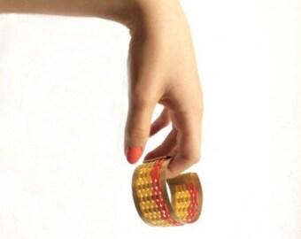 "Graphic Cuff Bracelet Yellow and Orange geometric pattern ""70"""