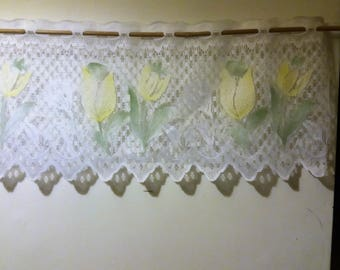 Cafe curtain. French style cafe curtain.
