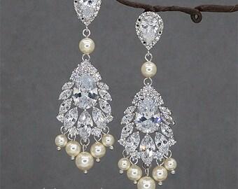 Chandelier wedding earrings, Rhinestone bridal earrings Crystal Earrings Ivory Pearls Bridal Jewelry Swarovski Crystals Earrings