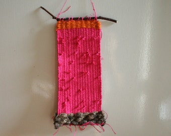 HANDWOVEN WALL HANGING / small wall art / weaving / pink fibre art / modern / original textile art / handwoven in australia / pamelatang