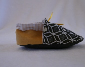 Soft suede baby/toddler little Leon slippers