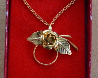 "Pretty Vintage Gold tone Floral Rose Charm Holder Pendant Necklace, 16"" (R15)"