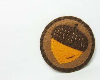 Acorn felt pin - made to order