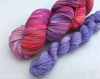 Hand dyed yarn Dandy sock with 20g mini-'Specky sunset'