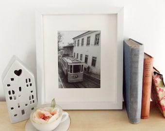 lisbon / tram / travel photography / urban / landscape / city photo / portugal / home decor / wall art / fine art / black and white
